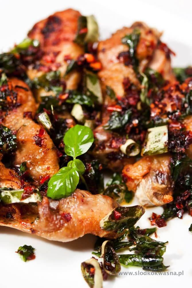 Kurczak z bazylią i chili