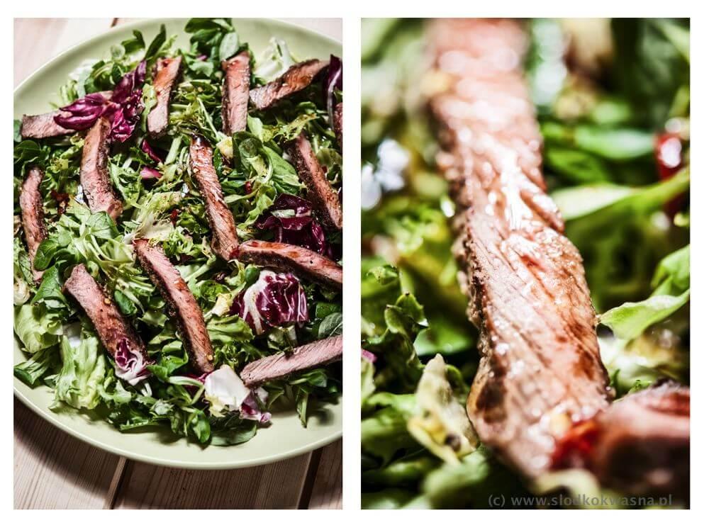 fot cookandwatch com salata z wolowina Sałata, nie tylko z sałatą