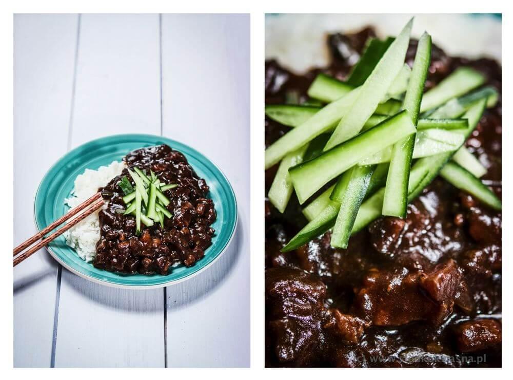 fot cookandwatch com jjajangbap ryz z pasta z czarnej fasoli z miesem i warzywami2 Czarna fasola i ryż