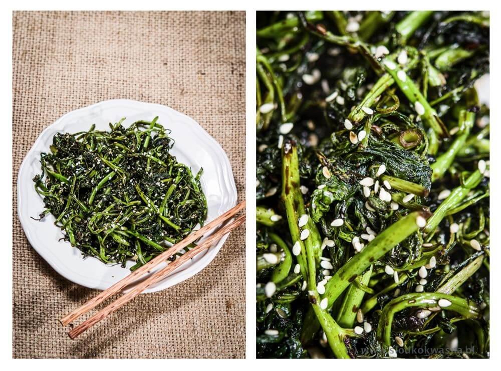 fot cookandwatch com szpinak wodny rau muong z czosnkiem sosem sojowym i sezamem Szpinak wodny rau muong