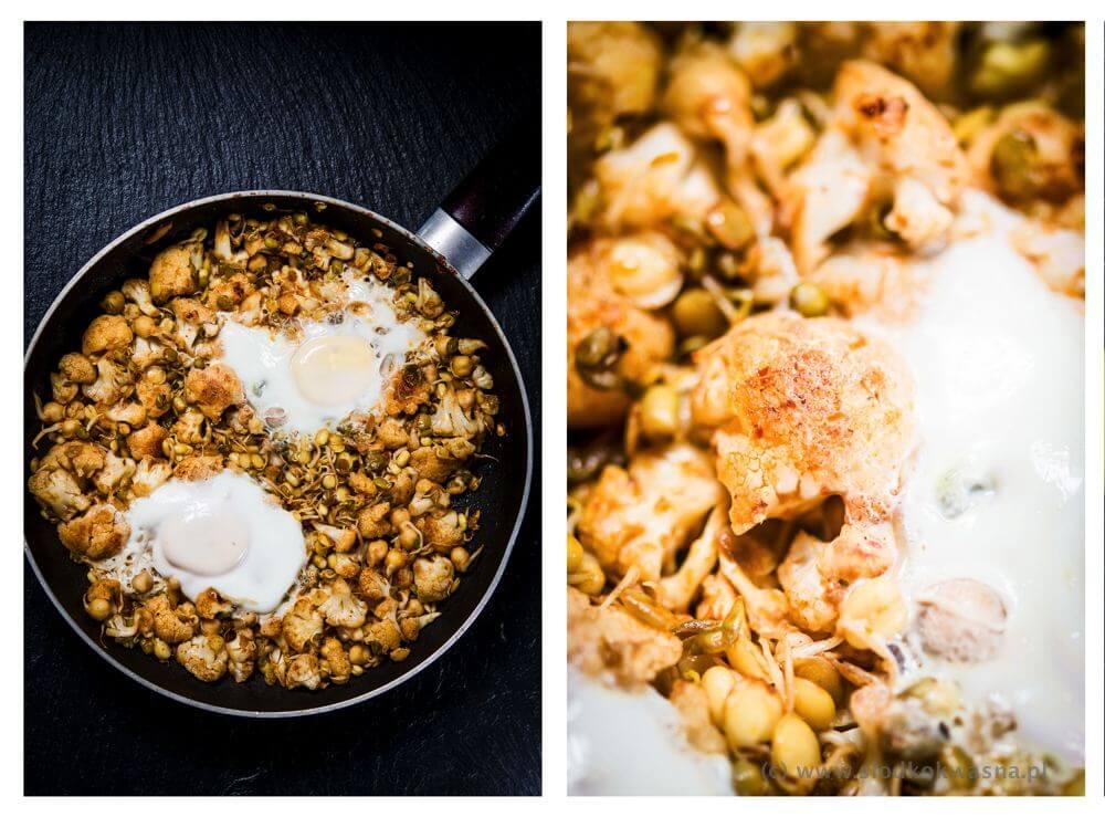 fot cookandwatch com kalafior kielki jajo2 Kalafior i kiełki z jajkiem sadzonym