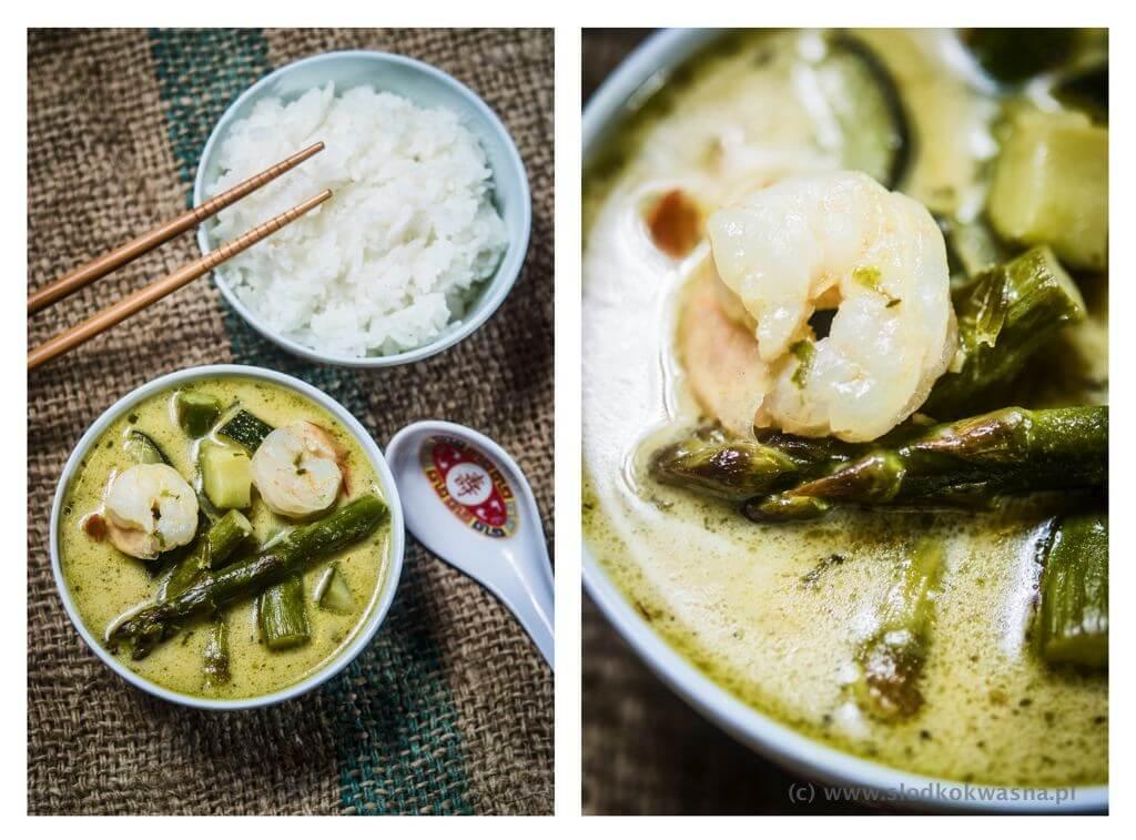 Zielone tajskie curry ze szparagami, cukinią i krewetkami
