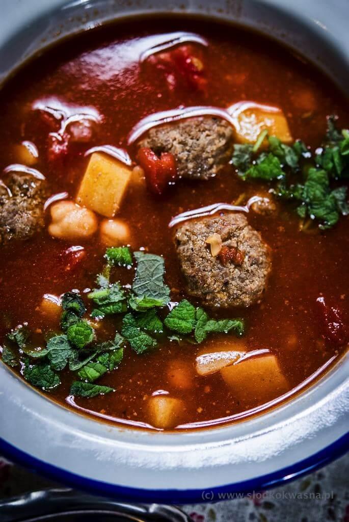 fot cookandwatch com zimowa zupa z ciecierzyca ziemniakami i pulpetami wołowymi z garam masala 04 Zupa z cieciorką, garam masala i kulkami wołowymi