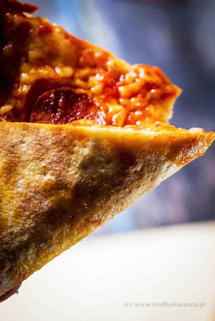 fot cookandwatch com DSCF0782 New York pizza. Klasyczna pizza w stylu nowojorskim
