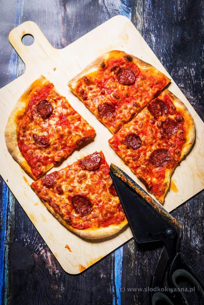fot cookandwatch com DSCF0785 New York pizza. Klasyczna pizza w stylu nowojorskim