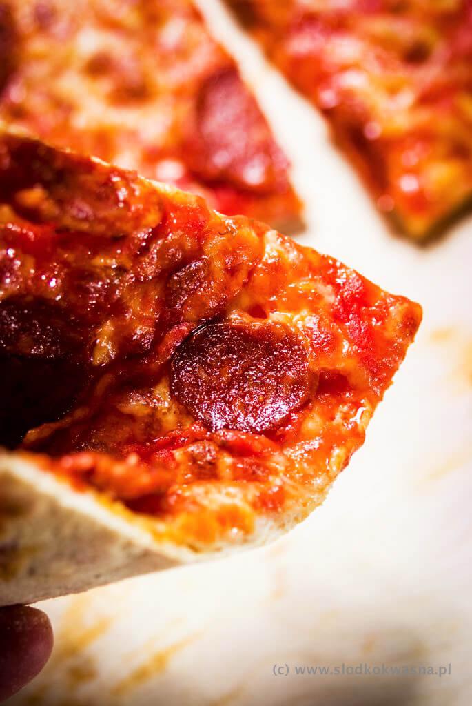 fot cookandwatch com DSCF0793 New York pizza. Klasyczna pizza w stylu nowojorskim