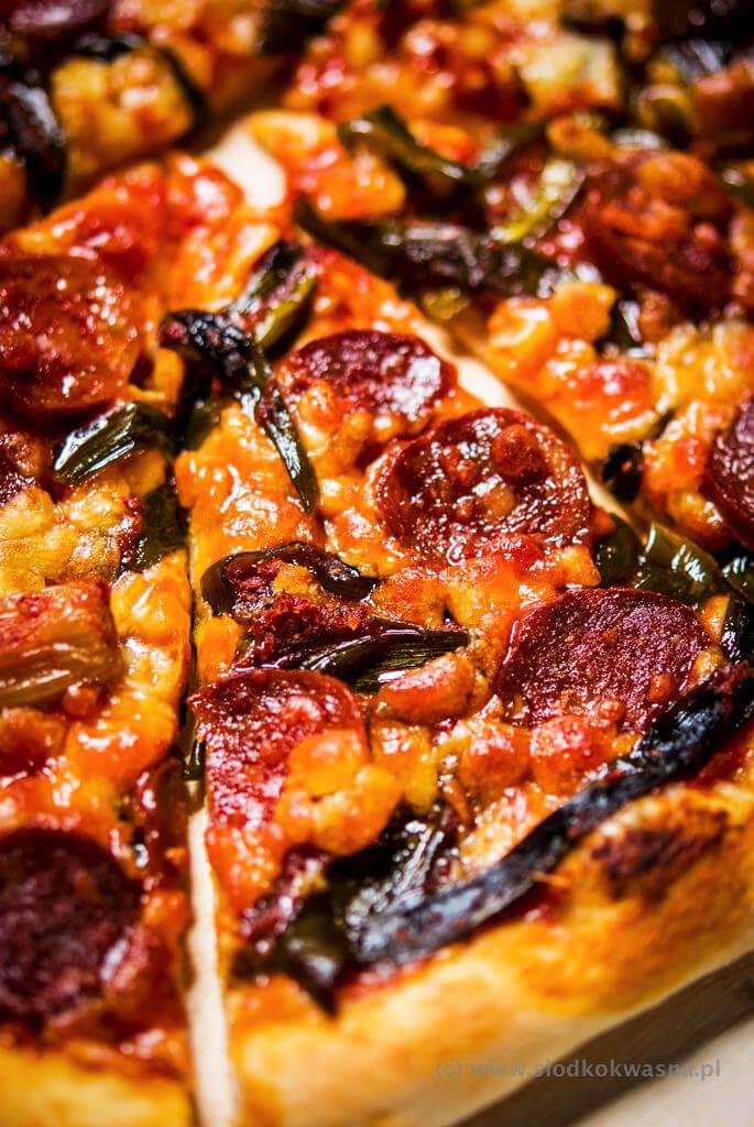 fot cookandwatch com DSCF1215 New York pizza. Klasyczna pizza w stylu nowojorskim