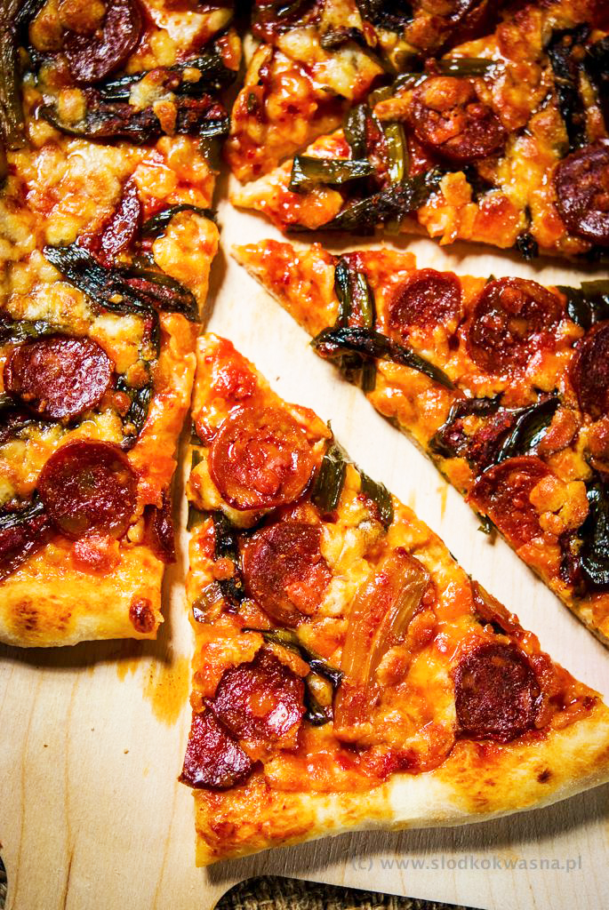 fot cookandwatch com DSCF1216 New York pizza. Klasyczna pizza w stylu nowojorskim