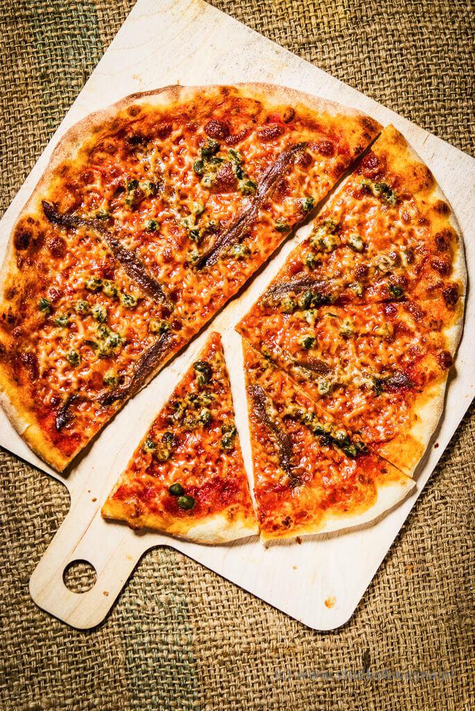 fot cookandwatch com DSCF1390 New York pizza. Klasyczna pizza w stylu nowojorskim
