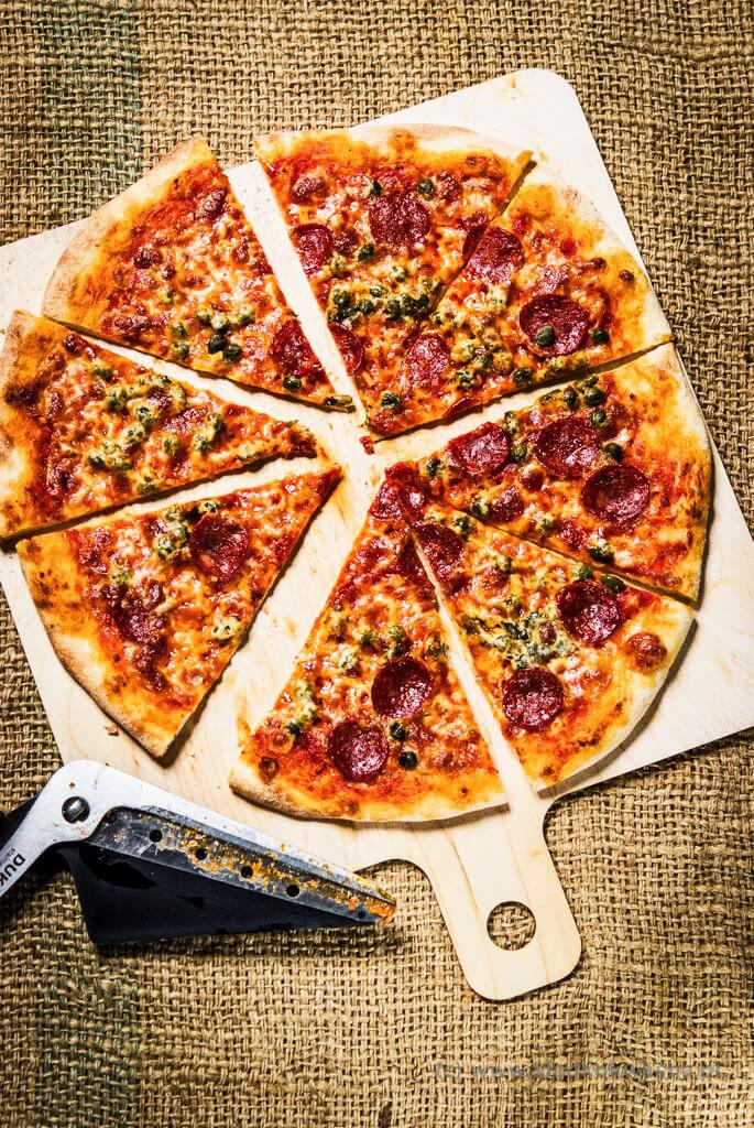 fot cookandwatch com DSCF1402 New York pizza. Klasyczna pizza w stylu nowojorskim