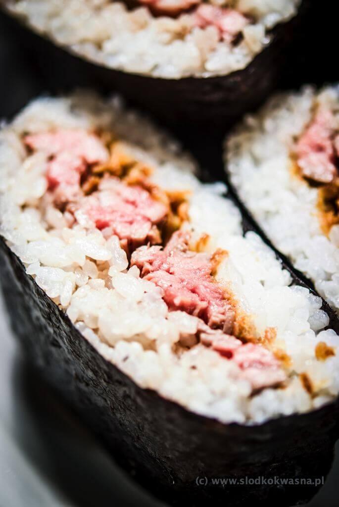 fot cookandwatch com DSCF2485 Onigirazu czyli ryżowe kanapki