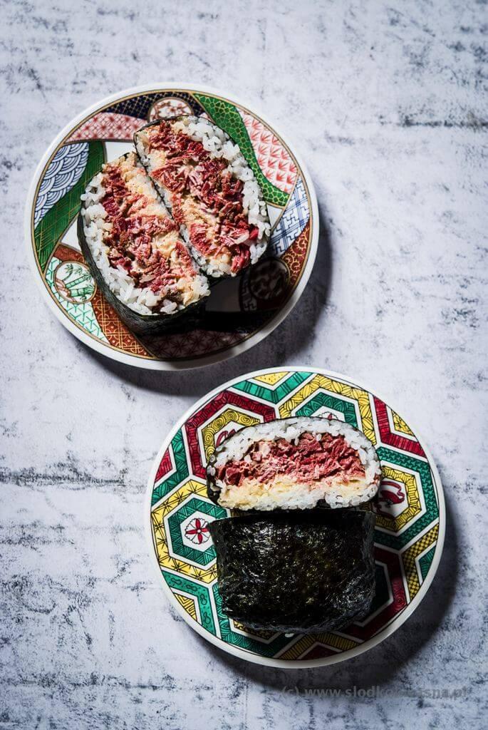 fot cookandwatch com DSCF2584 Onigirazu czyli ryżowe kanapki